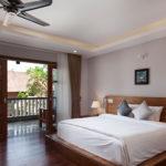 Premium Deluxe room king size bed Pilgrimage Village